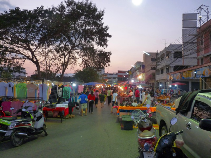 phayao-sunday-night-market-1