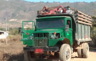 Myanmar - Hitching rides on long-haul trucks