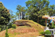 Doi Larng - Mae Ai - & the old camp of Khun Sa the opium warlord.