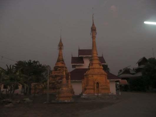Wat Sri Bunruang - Mae Sariang