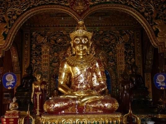 wat-ming-muang-chiang-rai-2