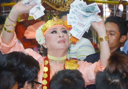Myanmar - Taung Pyone festival to start July 31