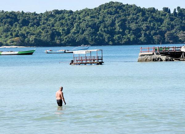 Myanmar - Ngapali Beach threatened