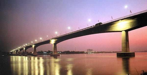 Laos - Vientiane New River Road Downstream