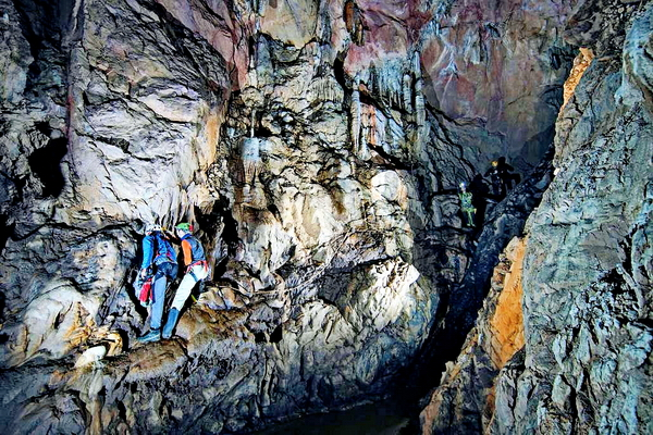 Myanmar - Exploring the Vast Limestone Cave Network